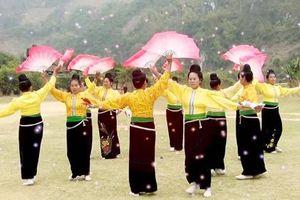 Múa xòe - điệu dân vũ cổ truyền của người Thái
