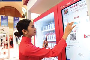 Chiến lược và phản ứng của ngân hàng trước sự cạnh tranh từ Fintech