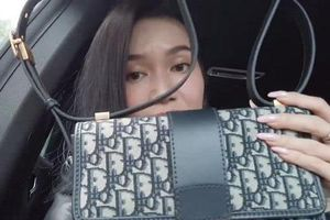 Bị tố dùng đồ fake, Sĩ Thanh quay clip mang túi Dior ra store kiểm tra