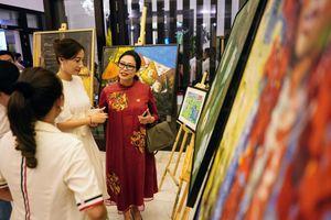 Đấu giá hơn 100 bức tranh ủng hộ quỹ 'Chung tay trồng rừng Việt Nam'