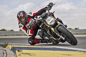 Trình làng 'quỷ đầu đàn' Ducati Monster 1200 S 2020