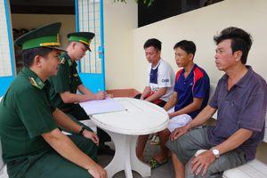 Cứu 3 thuyền viên gặp nạn trên vùng biển Kiên Giang