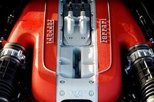Ferrari đấu tranh đến cùng vì động cơ V12?