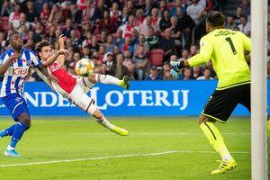 Heerenveen thua đậm Ajax trước ngày đón Đoàn Văn Hậu