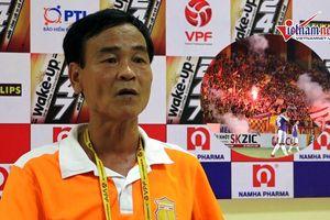HLV Nam Định tiết lộ nguyên nhân khiến CĐV đội nhà bức xúc ở Hàng Đẫy