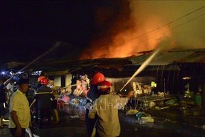 Vụ cháy 29 ki ốt tại chợ Bình Long gây thiệt hại gần 3 tỷ đồng