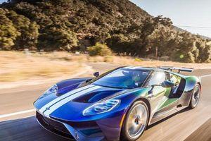 Ford GT thay đổi màu sắc như tắc kè dưới nắng, đẹp quyến rũ