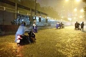 Có 'siêu máy bơm', đường Nguyễn Hữu Cảnh vẫn ngập nặng, vì sao?