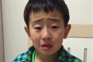 Cậu bé tiểu học khóc lóc vì mẹ sắp sinh em bé: 'Rồi con sẽ chết để mẹ chỉ lo cho em'