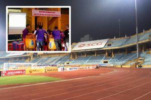 CĐV Hà Nội làm gì khi không được vào sân Hàng Đẫy xem bóng đá?