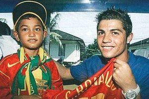 Ronaldo giúp nạn nhân sóng thần ở Indonesia đổi đời