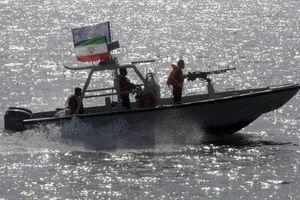 Iran bắt thêm tàu ở Vùng Vịnh vì buôn lậu 250.000 lít dầu
