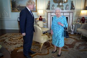 Khi Nữ hoàng Elizabeth bị cuốn vào 'rắc rối'' Brexit