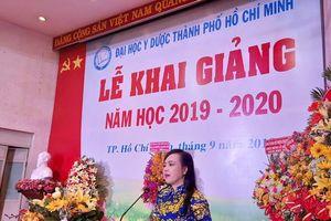 Trường ĐH Y Dược TPHCM chào đón 400 tân sinh viên khoa Y