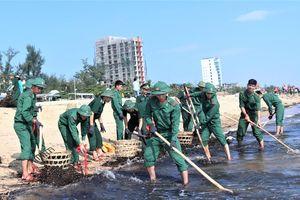 Tình nguyện làm sạch bờ biển