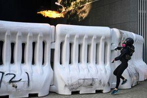 Khí gas, vòi rồng và đụng độ đánh dấu ngày thứ 99 của cuộc biểu tình ở Hongkong