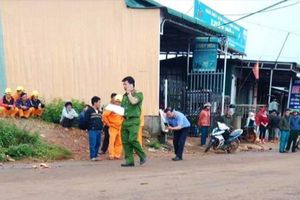 Vướng dây cáp nhiễm điện, 2 em học sinh tử vong tại chỗ