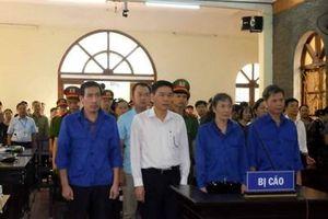 Hoãn xét xử vụ gian lận điểm thi tại Sơn La do vắng 44/47 người có quyền lợi và nghĩa vụ liên quan