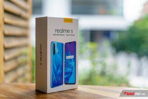 Mở hộp Realme 5 tại Việt Nam: Thiết kế bắt mắt, Snapdragon 665 cùng pin 'khủng' 5000mAh