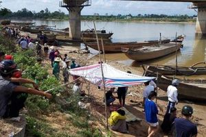 Phát hiện thi thể 3 người trong một gia đình trên sông Thạch Hãn