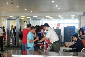 Khách Hàn Quốc trộm ví tiền ở Nội Bài, bị bắt ở Cam Ranh