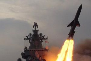 Tên lửa Nga đánh trúng tàu chiến cách 500km trên Thái Bình Dương