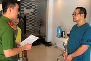 Thuê gái trẻ đóng 'phim sex', 5 người Trung Quốc bị bắt cùng phiên dịch
