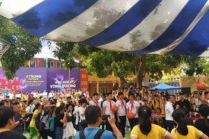 Clip: Quang Hải, Bùi Tiến Dũng và dàn sao Hà Nội FC thi ném bóng rổ