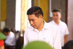 75/91 người vắng mặt, phiên tòa xét xử gian lận thi cử ở Sơn La bị hoãn
