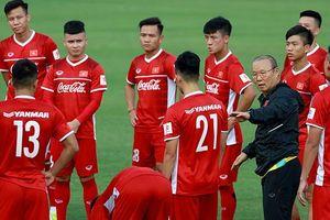 'Nhường' lịch cho thầy trò Park Hang-seo, V-League hạ màn muộn