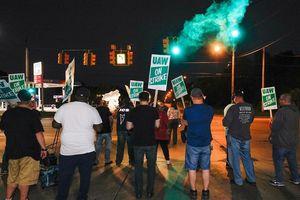 Bất mãn lương bổng, 50.000 công nhân General Motors biểu tình