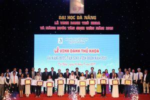 Đà Nẵng vinh danh thủ khoa, nâng bước tân sinh viên năm 2019
