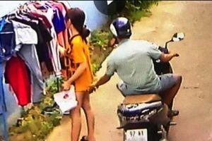 Sàm sỡ cô gái đứng phơi đồ, thanh niên 28 tuổi bị phạt 200.000 đồng
