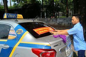 Taxi truyền thống đòi công bằng, ủng hộ gắn mào taxi công nghệ