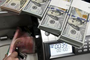Tỷ giá ngoại tệ hôm nay 17/9: Gần 5% sản lượng dầu toàn cầu bị tê liệt, USD biến động mạnh