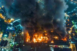 Nguyên nhân vụ cháy nhà máy Rạng Đông: Do sự cố điện từ đèn chiếu sáng