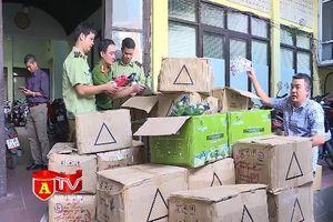 Đột kích kho mỹ phẩm nhập lậu ở Hà Đông
