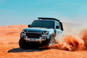Chọn Land Rover Defender mới hay cũ - huyền thoại hay hiện đại?
