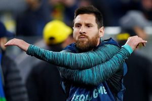 HLV Barca vỗ về Messi sau trận hòa tại Champions League
