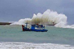 Dự báo thời tiết 18/9: Vùng áp thấp trên đảo Lu-dông khiến biển phía Nam sóng cao 3m, lốc xoáy