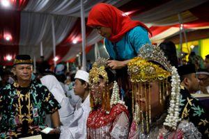 Indonesia nâng tuổi kết hôn tối thiểu của nữ để chống tảo hôn