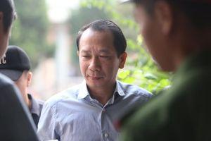 Phó chủ tịch tỉnh Hà Giang tới tham dự phiên xử vụ gian lận thi