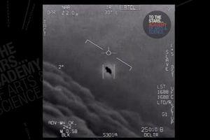 Hải quân Mỹ xác nhận chạm trán với 'đĩa bay'
