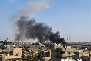 Libya: Quân đội miền Đông không kích sân bay quốc tế Tripoli