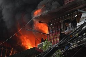 Cận cảnh hiện trường vụ cháy 'chuồng cọp' ở khu tập thể Kim Liên