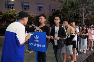 Ngày 21/9 làm thế nào để mua giày Yeezy 5,9 triệu ở Hà Nội, TP.HCM?