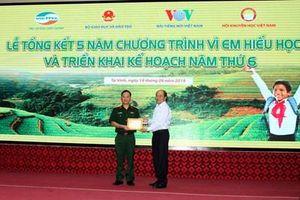 Tỉnh Nghệ An: Tổng kết 5 năm chương trình 'Vì em hiếu học'