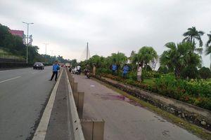 Quảng Ninh: Đang đi đường, một người phụ nữ bất ngờ bị đâm
