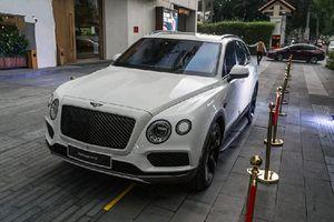 Cận cảnh Bentley Bentayga 'hàng thửa' hơn 20 tỷ ở HN