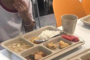 Phụ huynh phản ánh bữa ăn trường quốc tế ít thức ăn